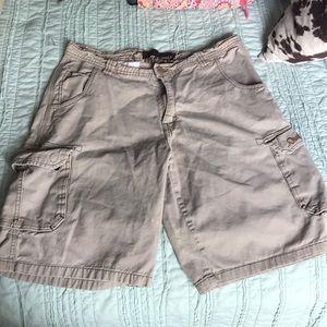 Men's khaki cargo shorts size 34